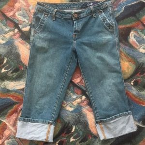 Seven 7 cute cropped and cuffed jeans w/ bling